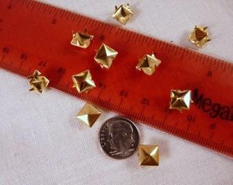 Studs, 8mm, Gold, Pyramid    4206-50G