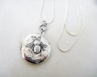 Silver Locket Pendant with a Buzzy Bumble Bee - Opens to store wee mementos