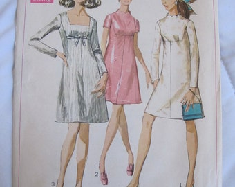 1960s SEWING PATTERN - Simplicity Dresses, Dress, Tunic, Tank, Long, Short Sleeve, Scallop Detailing No. 7898 from 1968
