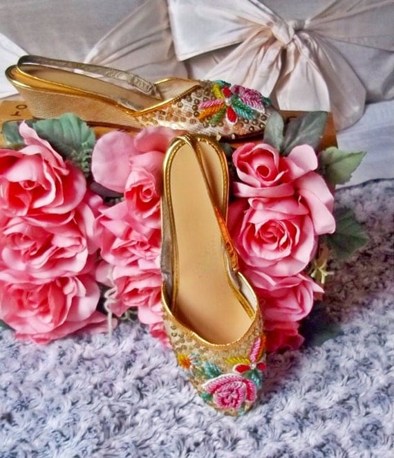 Vintage Shoes, 1950s Retro Shoes : Lovely Sequins &  Glass Beadwork Sling Backs, Cinderella Slippers