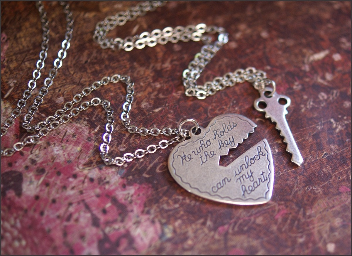 He Who Holds the Key Necklace Set-Silver Heart/Key Pendant