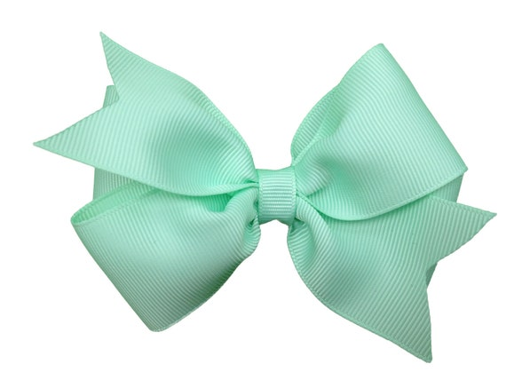 Pastel green hair bow - light green bow, 4 inch hair bow, pinwheel bows, green hair bows, girls hair bows, girls bows, toddler bows