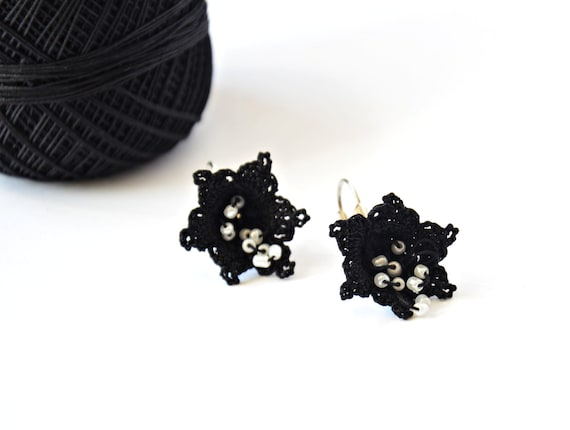 Black Crochet Earrings, Boho Chic Black Flower Earrings, Star Earrings, Beaded Earrings, Beadwork, Crochet Jewelry, Gift Ideas, ReddApple