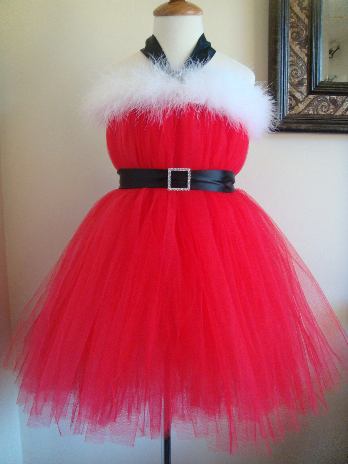 Beautiful Santa baby christmas tutu dress in 6 12mos