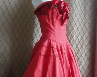 50s Dress // 50s Party Dress // Vintage 1950s Tomato Red Strapless Party Dress Size S