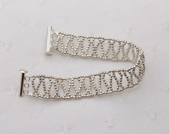 925 silver for this beautiful bracelet.