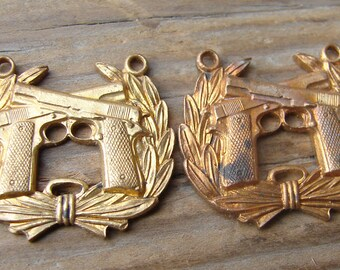 Brass Marine Corp Pistol Expert Qualification Badge. Military. Vintage. New Old Stock. One.