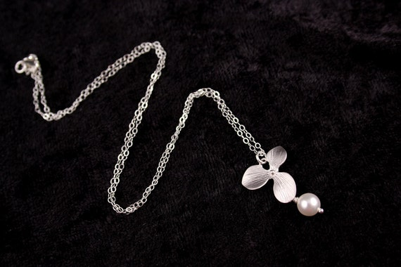 Bridal Jewelry Single Orchid with Pearl Wedding Necklace