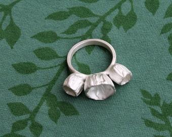 """Ring """"Three capsules"""""""