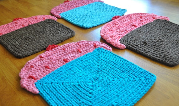 Reserved for Gia - Set of 4 Cupcake Rugs
