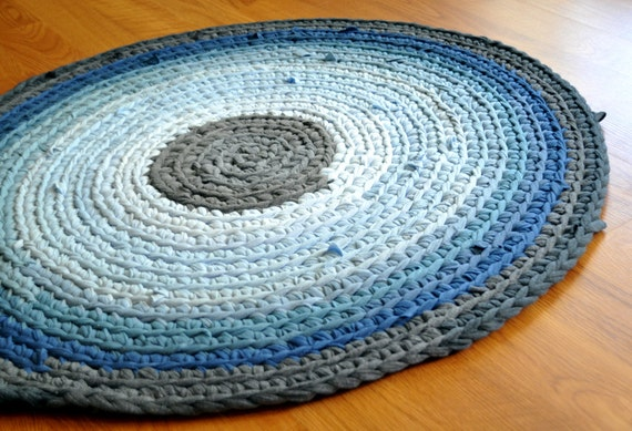 T Shirt Rug by EKRA Steel Gray and Blue Round Crochet by ekra