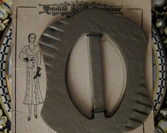 30s Art Deco French Celluloid Carded Buckle - Vintage 1930s Fashion Illustration - Accessory -  Beige Green Grey Taupe NOS