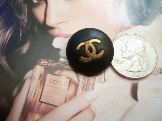 Old Imperfect Black HOT vtg Big Chanel button gold tone with CC signed big CC