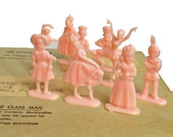 6pcs TINY PLASTIC PEOPLE 1960s Vintage Little Dolls Extremely Limited Stock