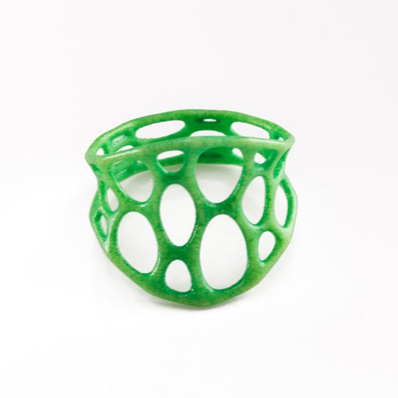 SALE 65% off 1-layer center ring size 8 - Green
