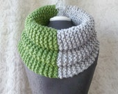 El Grande Cowl - Chunky Knit Cowl - Oversized - Green and Grey