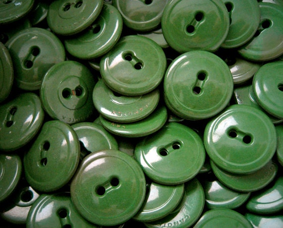 Sale christmas in july 350 vintage green sewing buttons for Craft buttons for sale