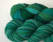 Longing for Santorini, superwash merino fingering yarn, Striping, Yarn Chef Bouillabaisse D173