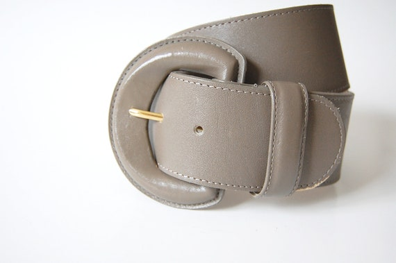 Wide Leather Belt . Taupe . Covered Buckle . Curved S