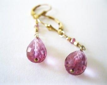 Pink Quartz Gold Earrings. 14k Gold Filled Mystic Pink Quartz Drop Earrings. Modern Gold Earrings. Wedding Earrings. Anniversary Gift Idea
