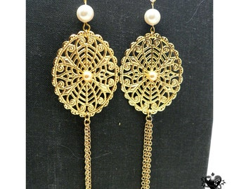 Dramatic Pearl and Gold Filigree Roccoco Earrings