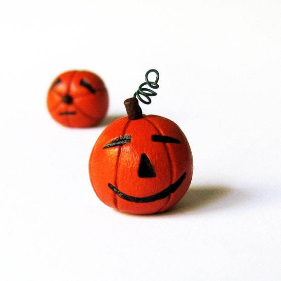 Halloween pumpkin sculpture- miniature clay jack-o-lantern