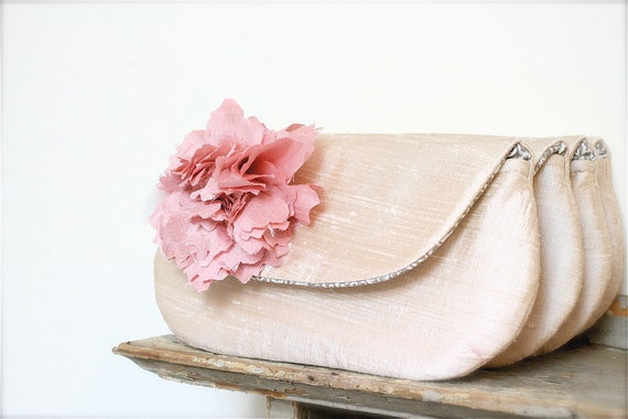 Blush Pink Wedding Clutch. Bridesmaid Gift Idea. Personalized Gift. Bridal purse. Nude Clutch. Wedding Purse. Bridesmaids clutches. MOH. MOB