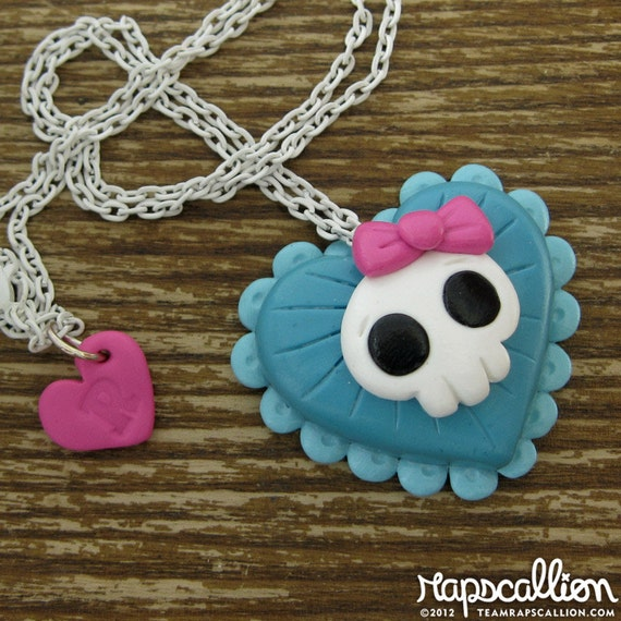 Pretty Skull Heart Necklace