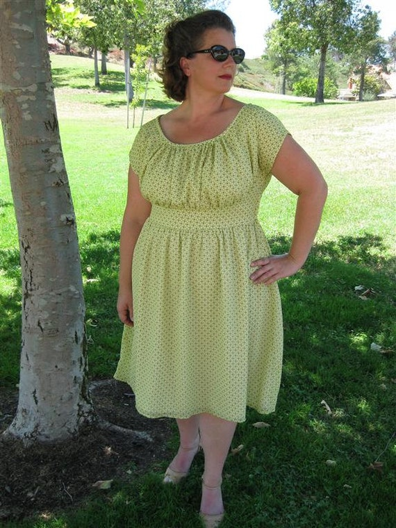 Retro Dress in Green Crepe with Polka Dots PLUS SIZE