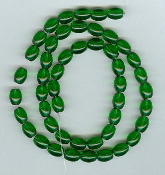6x8mm Christmas Green Oval Transparent Glass beads