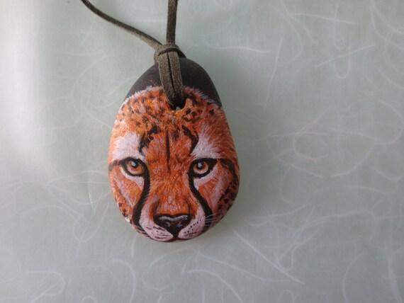 Cheetah pendant made of handpainted rock