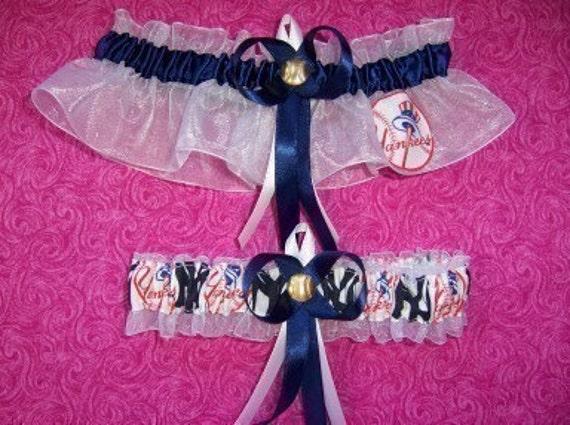 New York Yankees Wedding Garter Set   NY  Handmade  Keepsake and Toss