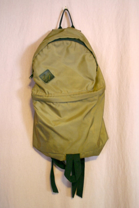 Simple Small Vintage Army Green Nylon Backpack with two zipper compartments