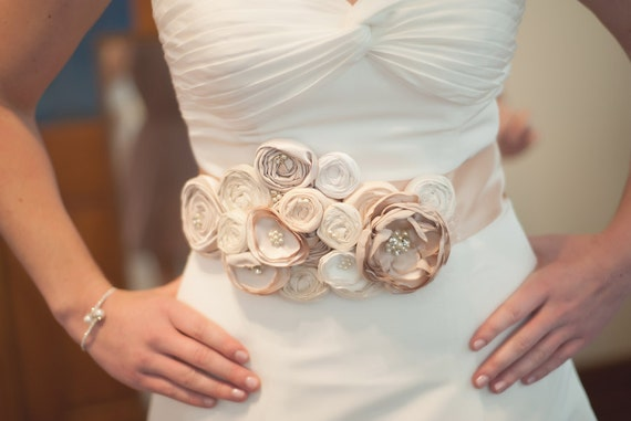 Dress sash, Fabric flower sash, Ivory, cream and champagne fabric flower sash for bride, wedding sash