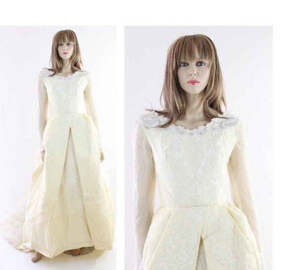 Vintage Wedding Dress 1950s 1960s Cream Lace Long Train 60s 50s Small S
