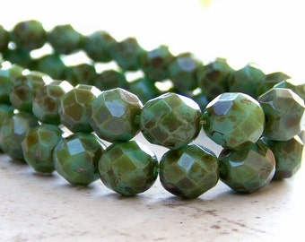 8mm Turquoise Green Picasso Czech Glass Bead Round : Full Strand 25 pc