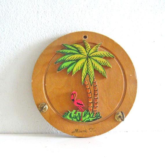 Vintage Key Holder Wall Hanging Wooden Souvenir Miami
