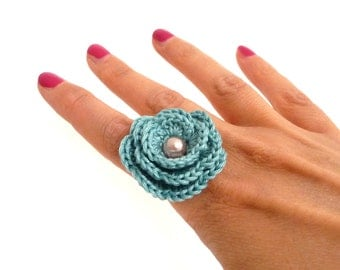 Crochet Flower Adjustable Ring - Mint Green with Light Pink Pearl - COTTON FLOWER