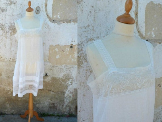 Antique 1900 cotton batiste dress underdress with thin lace on veil  size S/M