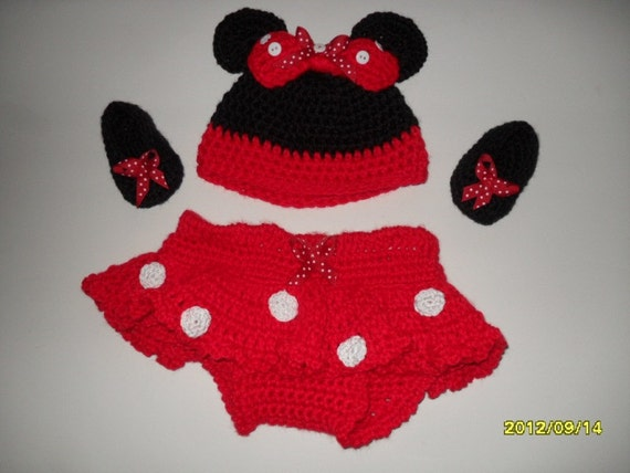 Crocheted Minnie Mouse set for baby girls hat, too too built in diaper cover and booties