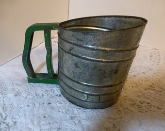 Sift Chine Green Handle Flour Sifter  Great Vintage