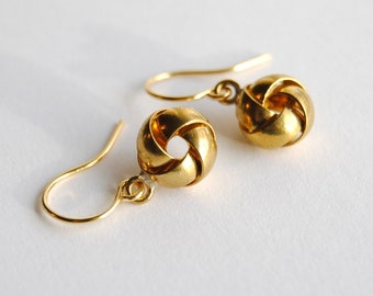 Tiny Gold Knot Earrings. Simple Jewelry. Small Dangle Earrings. Everyday Jewlery. Gift for Girlfriend. Minimal Earrings. FREE Shipping in US