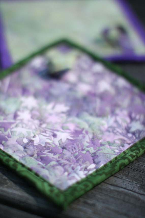 quilted pot holders - lavender green