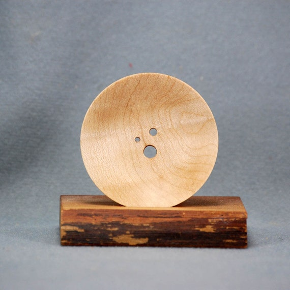 Diz - three hole - Curly Maple