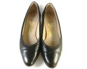 Vintage Ferragamo shoes, leather pumps in chocolate brown  size 7B -
