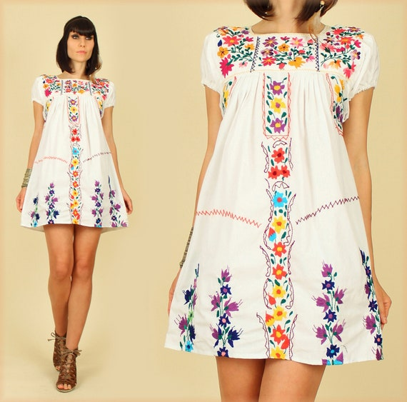 ViNtAgE 70's White Rainbow Floral Hand Embroidered Mexican MiNi Dress Tunic