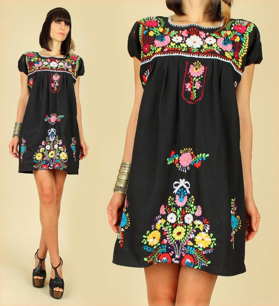 ViNtAgE 70's Hand Embroidered Floral Mexican MiNi Cotton Dress L