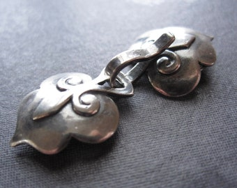 Arthurian Shield Hook and Eye Clasp - solid stelring silver - 39mm X 15mm - multiple strand clasp
