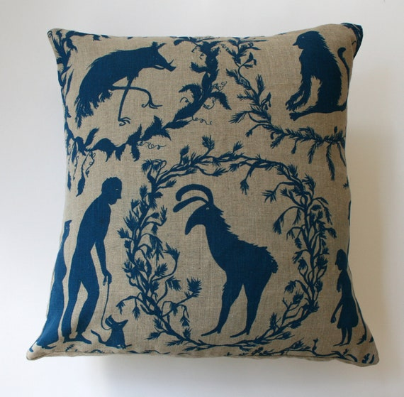Andalucian Wildlife cushion in blue