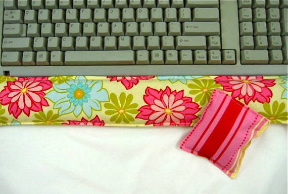 Computer Keyboard Wrist Support Set Organic Lavender Pink Floral Carpel Tunnel Syndrome Office Supplies Geekery Desk Set